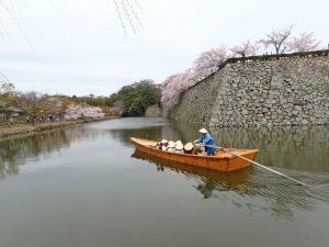 姫路城内堀和船